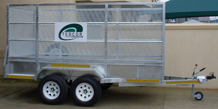 Plastic recycling trailer